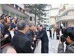 韩主席与云南社员密切握手